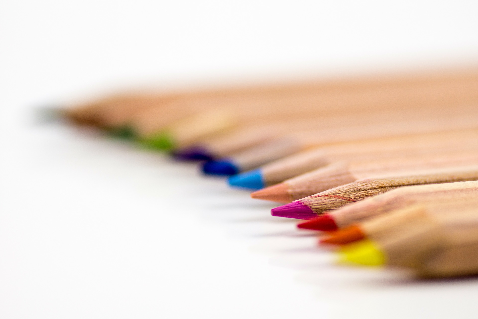 colored-pencils-168391_1920.jpg